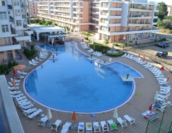 Studio with big balcony with pool view in Rainbow 3, Sunny Beach