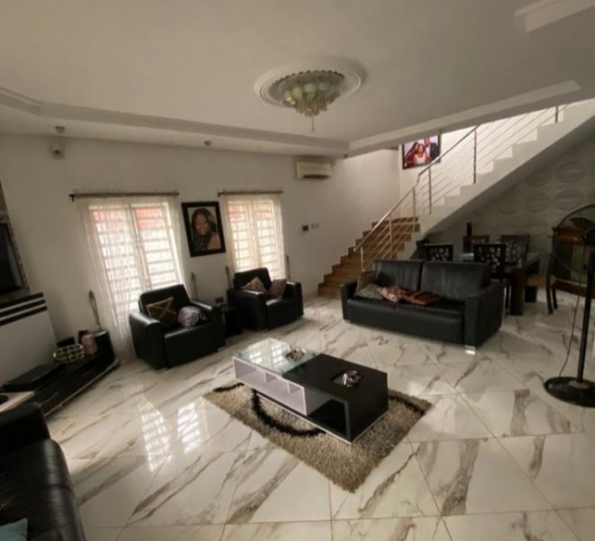 Detached 5 Bedrooms For Sale In lagos