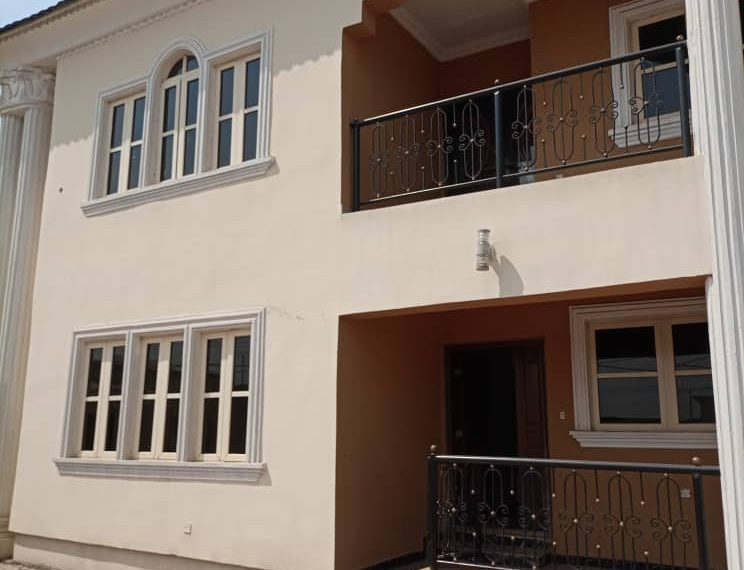 SIX BEDROOM DUPLEX AT BODIJA ESTATE IBADAN